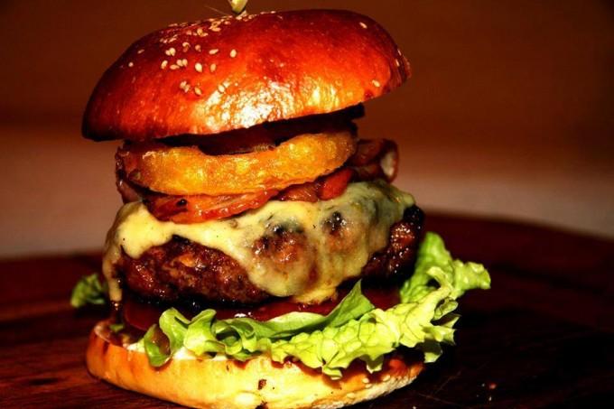 The Old Crown pub | burger