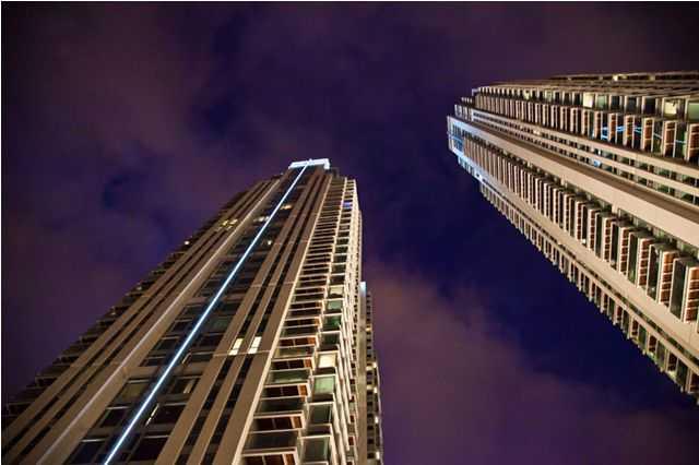 The Tompkins at 4 Pan Peninsula Square Canary Wharf & Pictures for Tompkins 4 Pan Peninsula Square Canary Wharf London ...