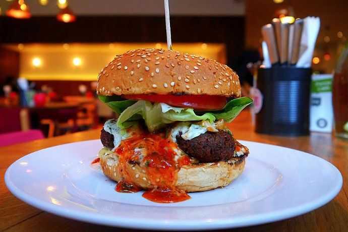 Pictures for Gourmet Burger Kitchen - Maiden Lane 13-14 Maiden ...